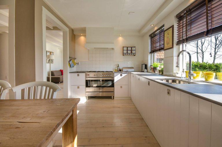 instalación de cocina con piedra natural